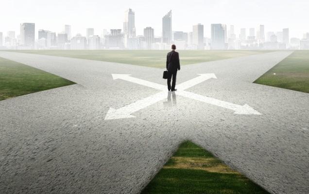 LỰA CHỌN NGHỀ NGHIỆP CHO LUẬT SƯ: Khác biệt giữa làm việc tại HÃNG LUẬT và PHÁP CHẾ? (Phần 2/2)