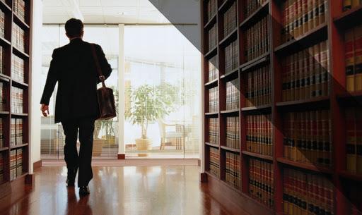 Một số chia sẻ hữu ích về các vấn đề liên quan đến học luật, hành nghề luật